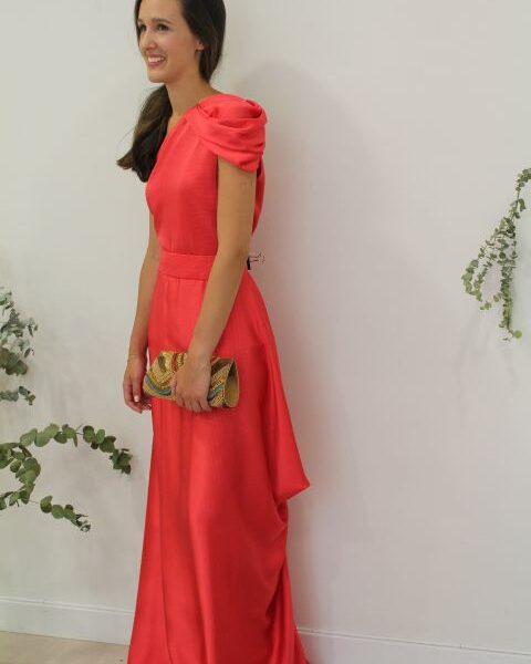 Conjunto rojo falda y blusa