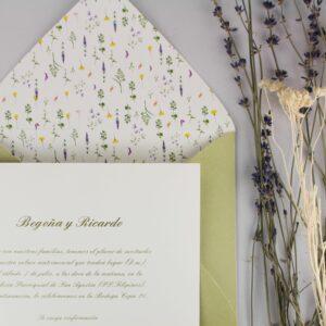 """Invitación-sobre de boda """"florecitas silvestres"""""""